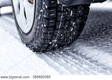 Car Wheel Winter Tire Rubber Protector Winter Snow White Black Pattern