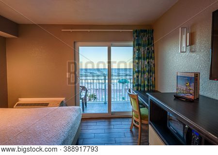 Daytona Beach, Florida, Usa - January 8, 2020 : Hotel Room Interior At The Boardwalk Inn And Suites