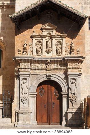 Seiteneingang an der Kathedrale von Granada Spanien