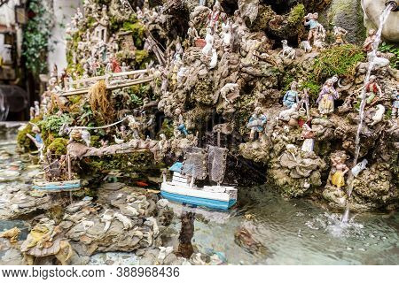 Amalfi, Italy, January, 2020: Little Boat On Nativity Scene In A Fountain On Amafi. Traditional Neap