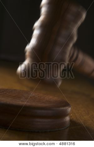 Courtroom Gaval