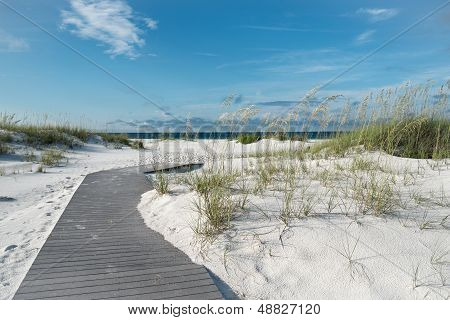 Paseo marítimo playa prístina