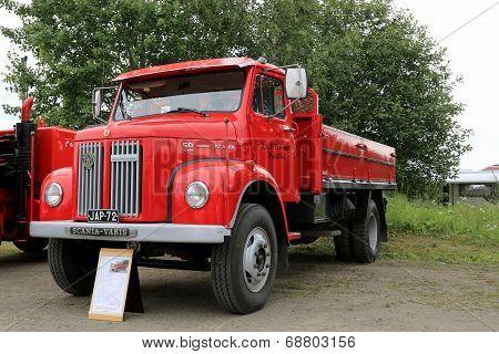 Classic Red Scania L50 Pickup Truck