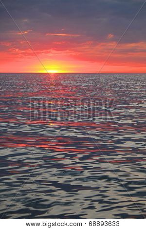 Sunset unser the sea
