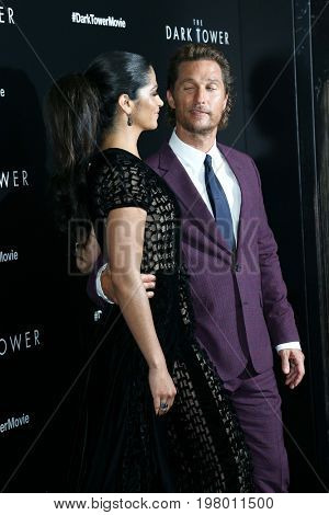 NEW YORK-JUL 31: Camila Alves (L) and Matthew McConaughey attend