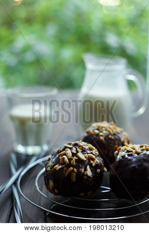 Biscuit Pastry, Chocolate Rum Flavored Cake-pops With Peanuts, G