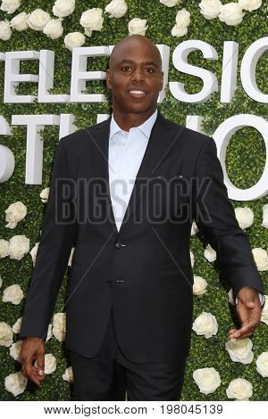 LOS ANGELES - AUG 1:  Kevin Frazier at the CBS TV Studios Summer Soiree TCA Party 2017 at the CBS Studio Center on August 1, 2017 in Studio City, CA