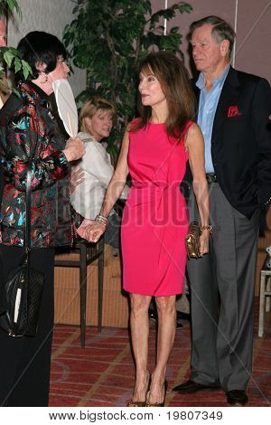 LOS ANGELES - APR 9:  Joanne Worley, Susan Lucci, Helmut Huber in the green room of