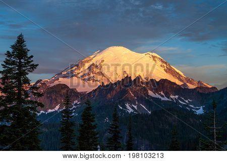 Mount Rainier at sunrise in Mount Rainier National Park, Washington, USA