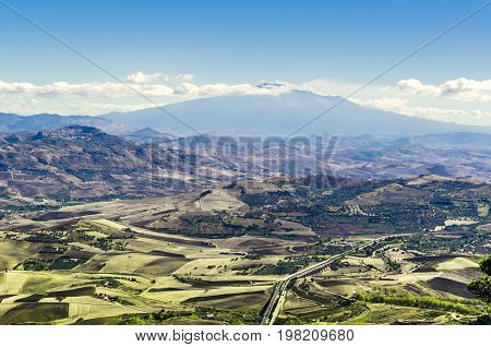 You can see the geography of the Sicilian territory from the heights of the city of erice with its volcano closing the view