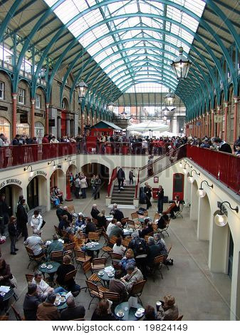 Music at Covent garden market in London