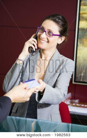 Płacąc kartą kredytową
