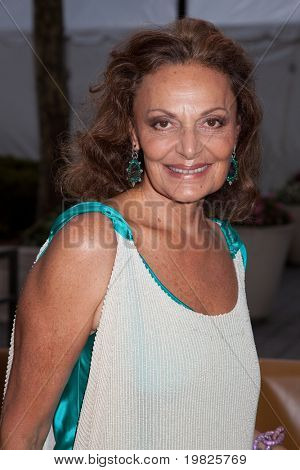 NEW YORK - SEPTEMBER 21: Diane Von Furstenberg attends the Metropolitan Opera 2009-10 season opening with a performance of 'Tosca' at Lincoln Center  on September 21, 2009 in New York City.