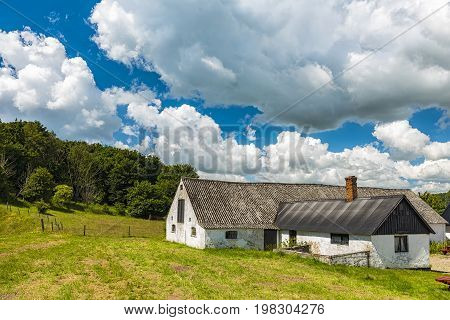 A swedish farm house in the countryside near to Ales stenar.