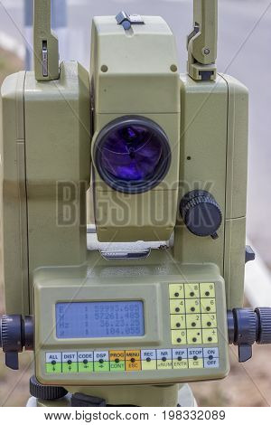 Total Station With Digital Display 3