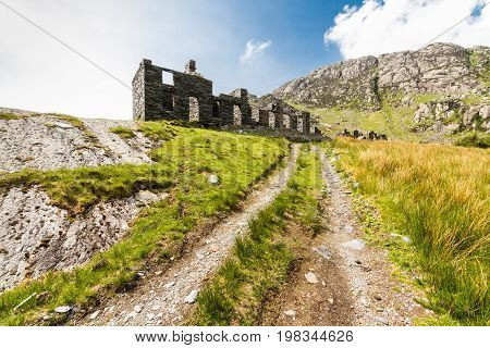 Cwmorthin Barracks, Ruined Slate Building