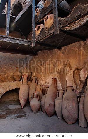 pompei pottery