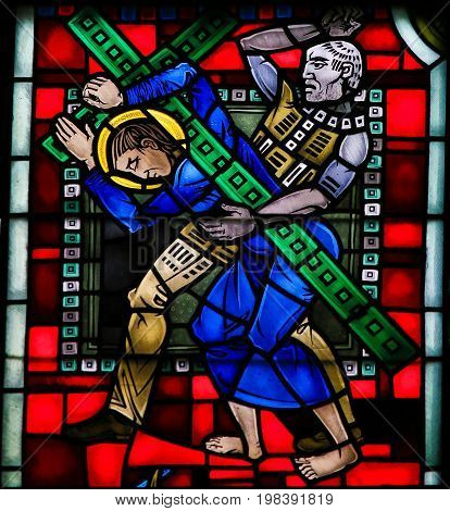 Stained Glass In Worms - Jesus Carrying The Cross