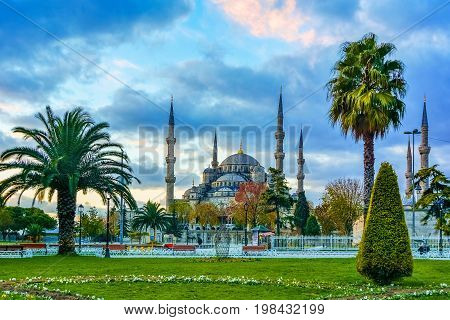Sultan ahmed Mosque is located in the city of Istambul. It was built during the ruel of Ahmed I. It's populary known as the Blue Mosque, Istanbul, Constantinople, Turkey