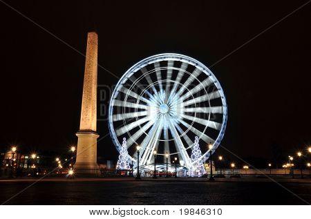 Ferris wheel on the Concorde square