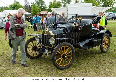 PAAREN IM GLIEN GERMANY - MAY 23 2015: Vintage car Ford Model T (Tin Lizzie). The oldtimer show in MAFZ.