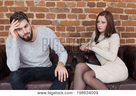 Young man get headache about girlfriend before broke relationship difficulities