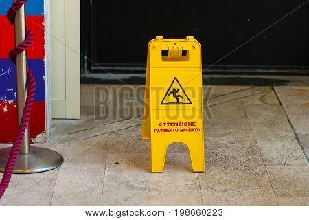 Warning Sign Of Wet Floor indoor (caution)