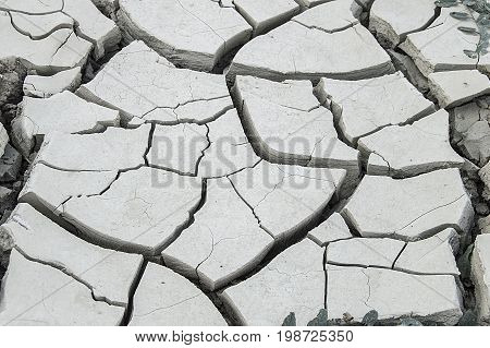 The breakdown of the soil from thirst, the formation of drought after the end of the heat, the damage to the environment of the drought,