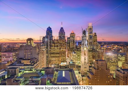 Philadelphia, Pennsylvania, USA downtown skyline at twilight.