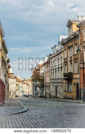 Céntrica calle en la espectacular ciudad de Varsovia