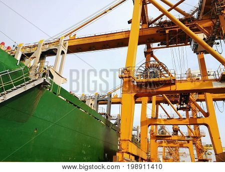 Portainer For Load and Unload From Container Ship