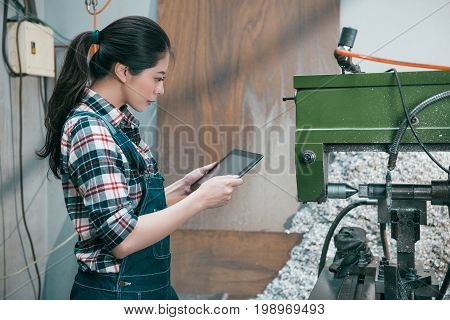 Beauty Elegant Milling Factory Woman Worker