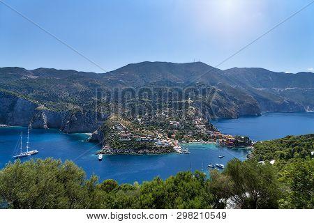 The Famous Village Assos On Kefalonia, Greece