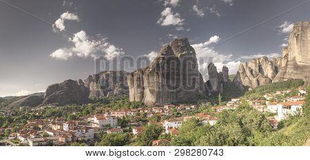 Kastraki Village In Meteora Mountains, Greece