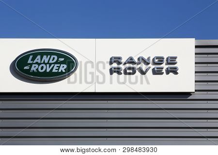 Nimes, France - July 1, 2018: Land Rover Logo On A Wall. Land Rover Is A Car Brand That Specialises