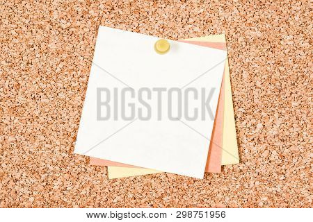 Blank White Note With Copy Space Pinned To A Corkboard.