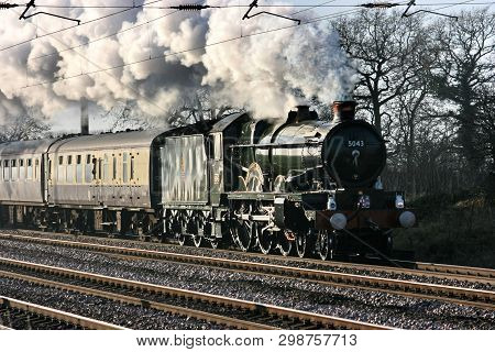 Gwr Castle Steam Locomotive No. 5043 Earl Of Mount Edgcumbe At Copmanthorpe On 12th December 2009 -