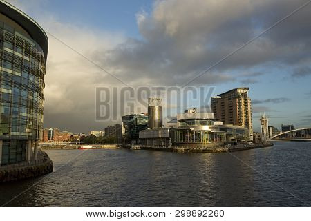 Manchester, Greater Manchester, Uk, October 2013, A View Of The Lowry Art Gallery In Salford