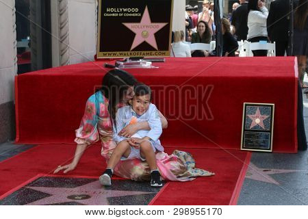 LOS ANGELES - MAY 1:  Lucy Liu, son Rockwell Lloyd Liu at the Lucy Liu Star Ceremony on the Hollywood Walk of Fame on May 1, 2019 in Los Angeles, CA