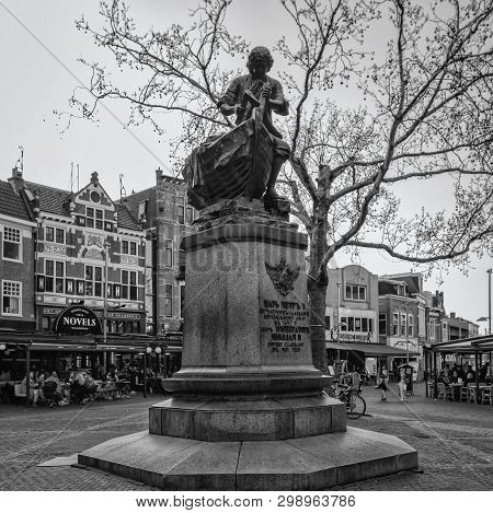 Zaandam, The Netherlands, April 18, 2019: Black And White Photo Of The Tsar Peter Statue In The Cent