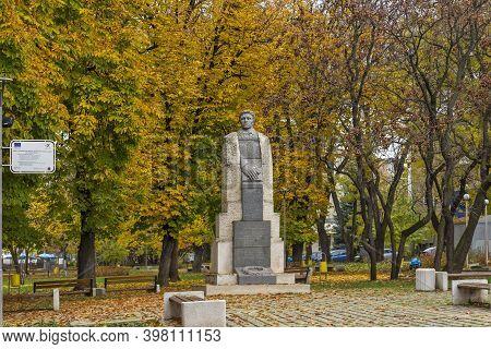 Montana, Bulgaria - November 22, 2020: Monument Of A Bulgarian Revolutionary And National Hero Vasil