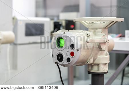 Electric Actuator Remote Valve Multi Turn Motor Drive For Control Pressure Or Flow Of Liquid For Ind
