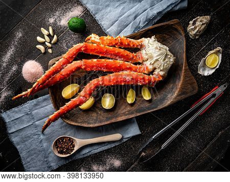 Fresh Red King Crab Crab Claws With Lemon Slices And . Tasty Kamchatka Crabs Claw