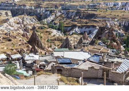 Uchisar, Turkey - October 4, 2020: This Is An Ancient Houses Carved Into The Erosive Tuff Rock Of Ca