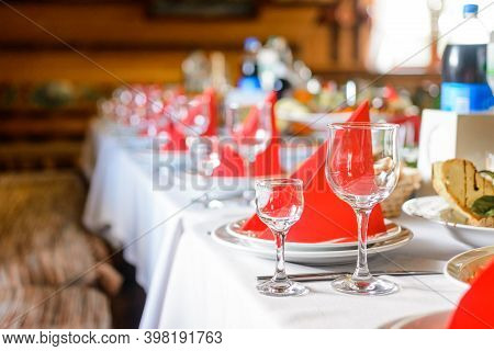 Table Setting, Festive Event And Table Setting, Dishes And Snacks When Setting Tables.