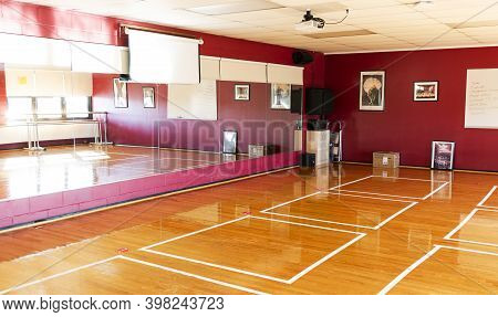West Islip, New York, Usa - 16 November 2020: A High School Dance Classroom Has Taped Boxes On Floor