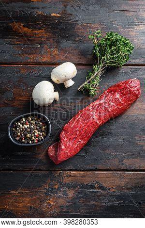 Farm Bio Tri Tip Steak With Fresh Seasoningsm Thyme, Organic Tri-tip Roast With Fat Marbled Through