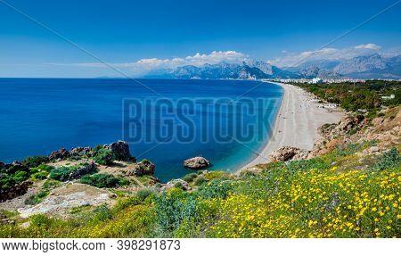 Konyaalti beach, Antalya at spring