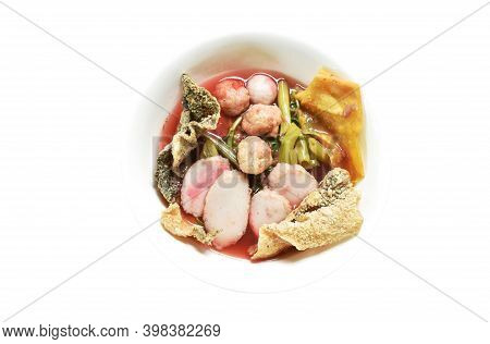 Varirety Seafood Ball In Red Sauce Soup Or Youg Tau Foo Topping Crisy Drt Fish Skin And Crunchy Frie