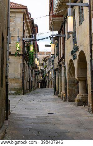 Pontevedra, Galicia / Spain - 2 December 2020: Narrow Street In The Historic Old City Center Of Pont